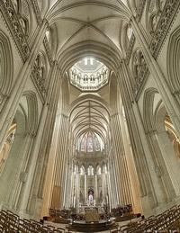 Готический собор в Кутансе, Франция